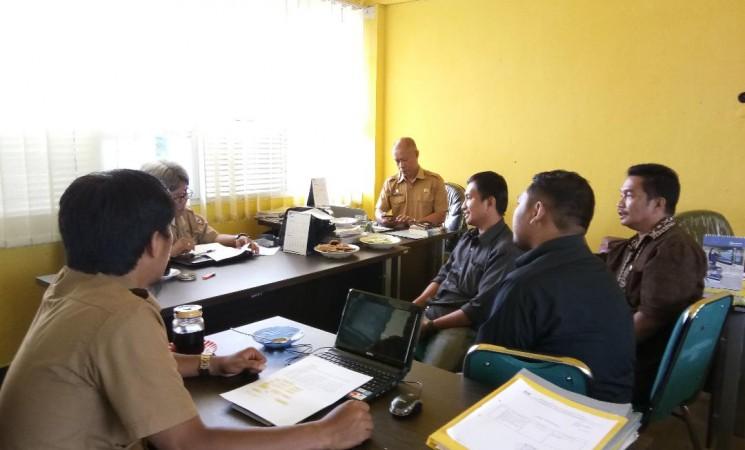 Evaluasi Kinerja Pegawai Badan Penelitian dan Pengembangan Daerah Kab. Wajo